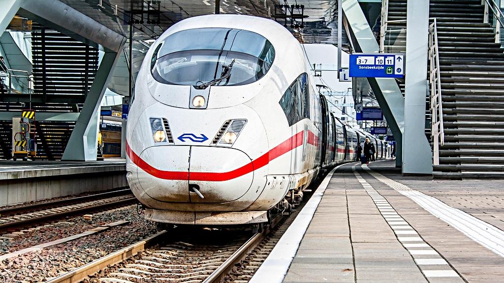tog fra danmark til holland
