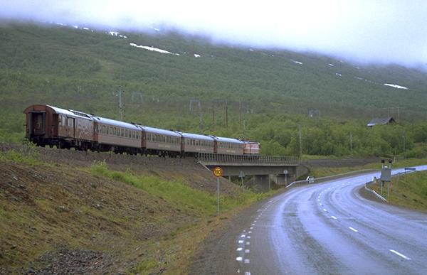 tåg till narvik från stockholm